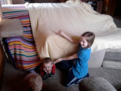 HAndy way to build a rainy day fort