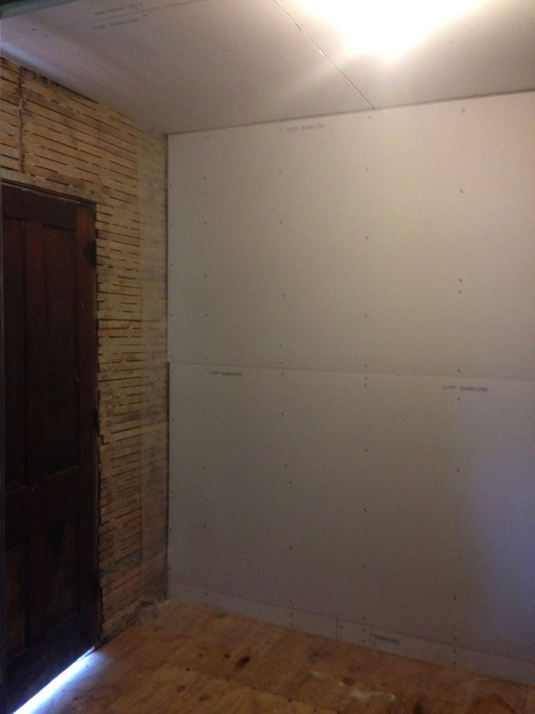 hanging-drywall