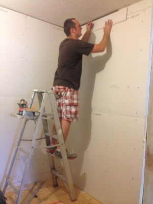 piecing-in-the-top-of-the-drywall